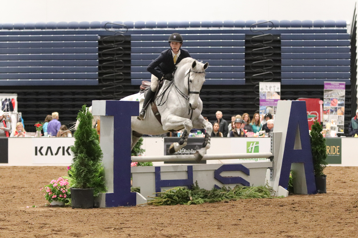 Adam Edgar aboard Clarissimo, owned by Hollins University, competing in the USEF/Cacchione Cup work-off. Photo by alcookphoto.com