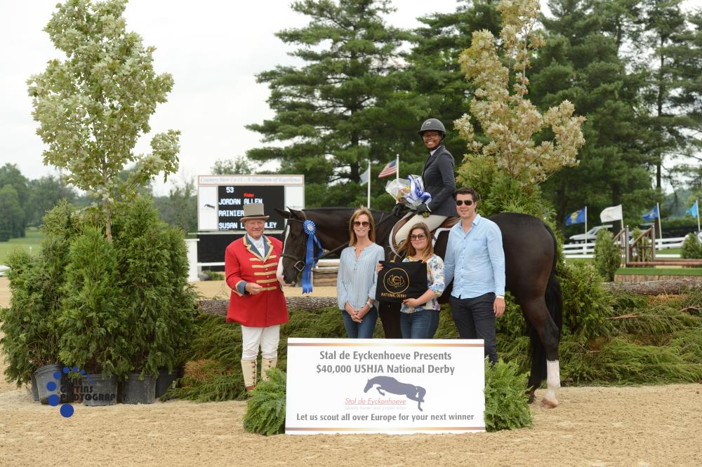 Jordan Allen rode Ranier to the win of the $20,000 Junior/Amateur Section of the USHJA National Hunter Derby, sponsored by Stal De Eyckenhoeve. Photo by Anne Gittins Photography