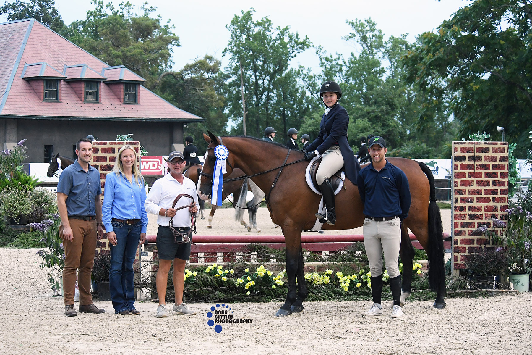 Dr.Travis Bowers and Amy Gregonis from Running 'S' Equine Veterinary Services present the award to Caroline Sameth and Chocolat 15 with trainers Michael Dowling and Michael Meyer from Windham Hill. Photo by Anne Gittins Photography