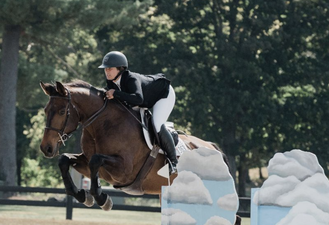Narcotique B (O'Splendido x Jenna B), owned by Kim Woodsum, bred by Allyn McCracken and her Bannockburn Farm and ridden by Lisa Goldman-Smolen, was awarded the Classic Champions Award of Distinction in the 6-year-old section Photo by EQ Media