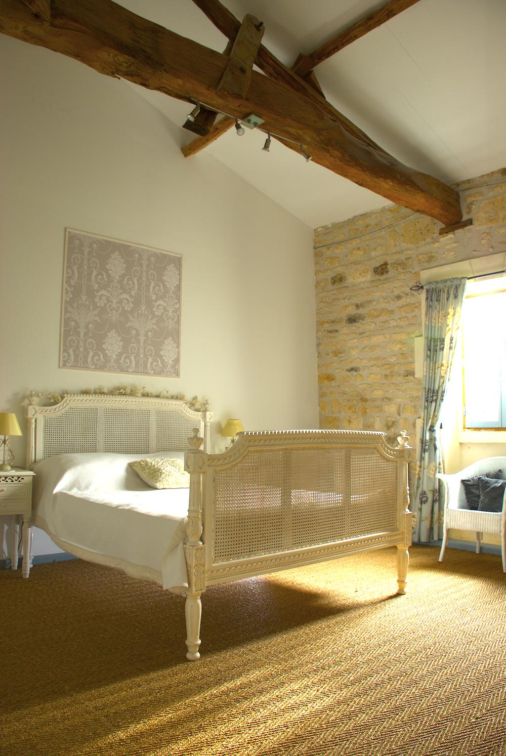 logis bedroom.png