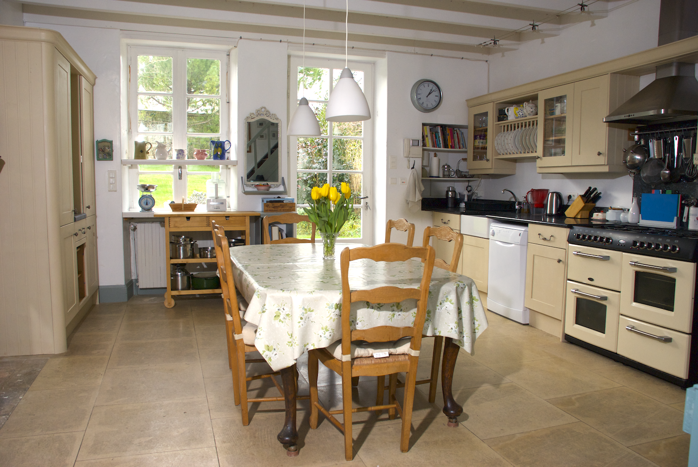 logis kitchen.png