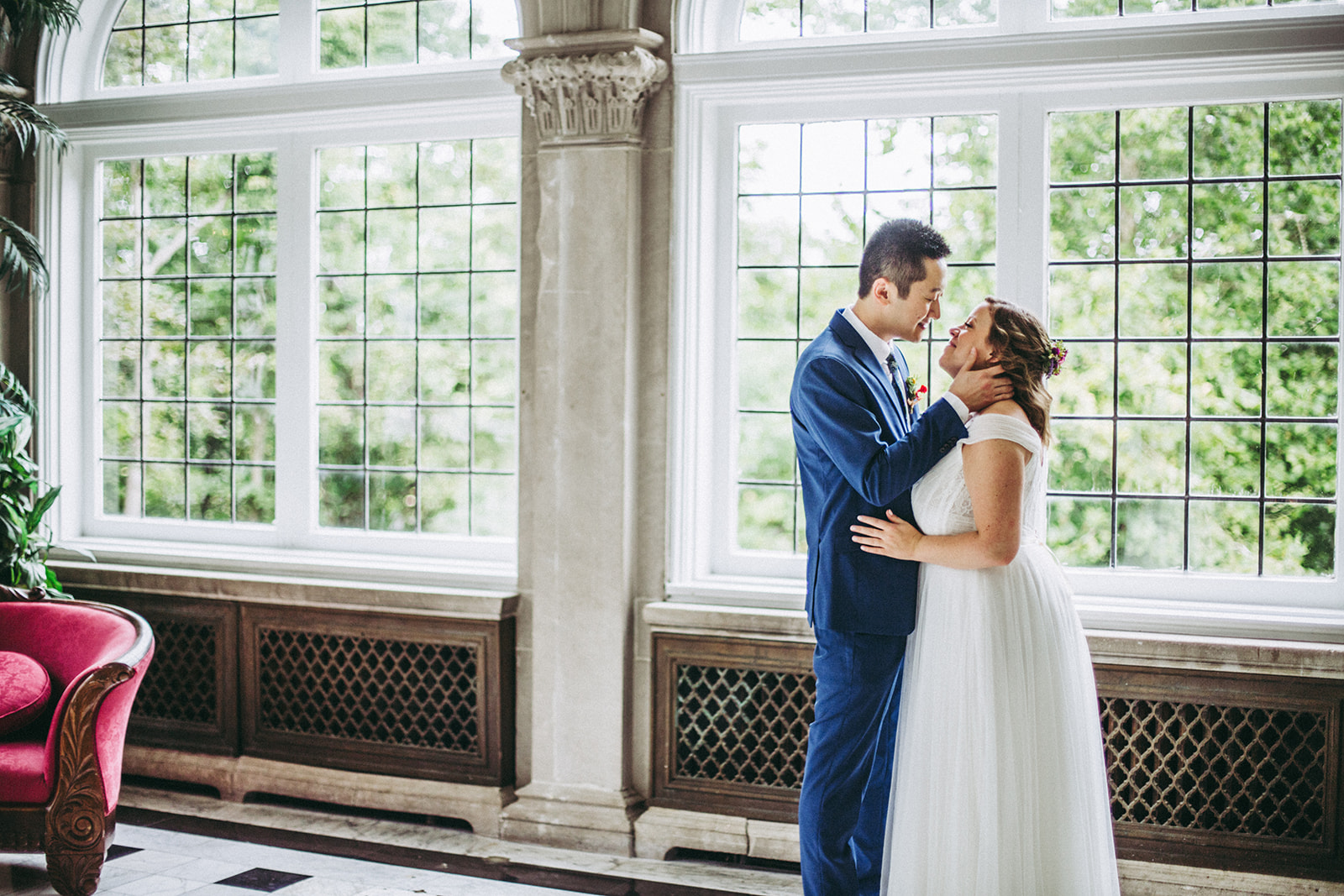 Laurel Hall bride and groom portrait session