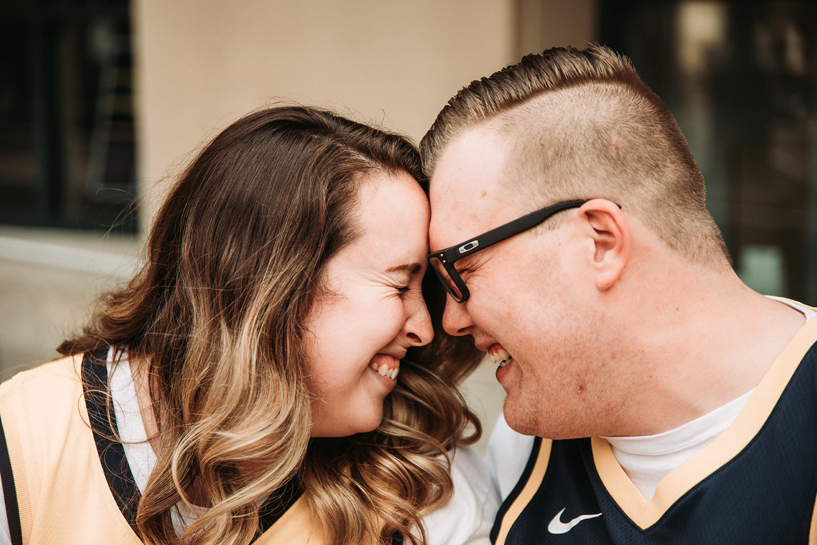 DowntownIndianapolisSpringEngagementPhotos-10.jpg