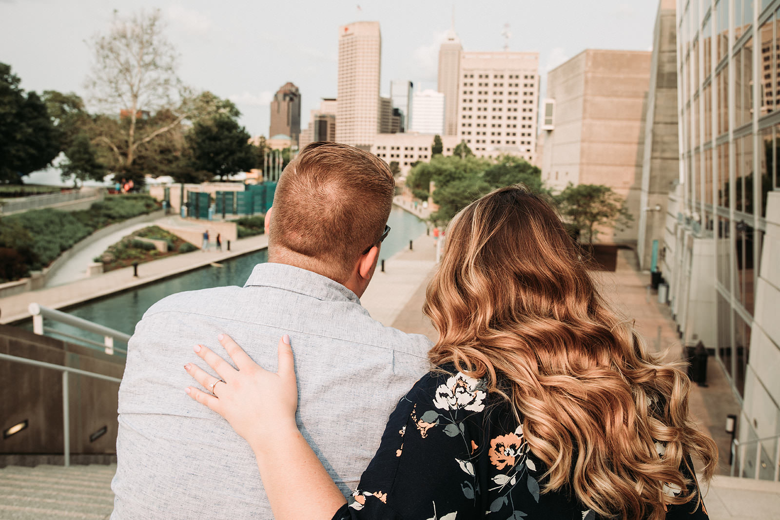 DowntownIndianapolisSpringEngagementPhotos-47.jpg