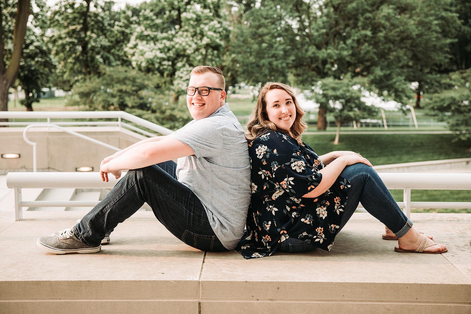 DowntownIndianapolisSpringEngagementPhotos-50.jpg