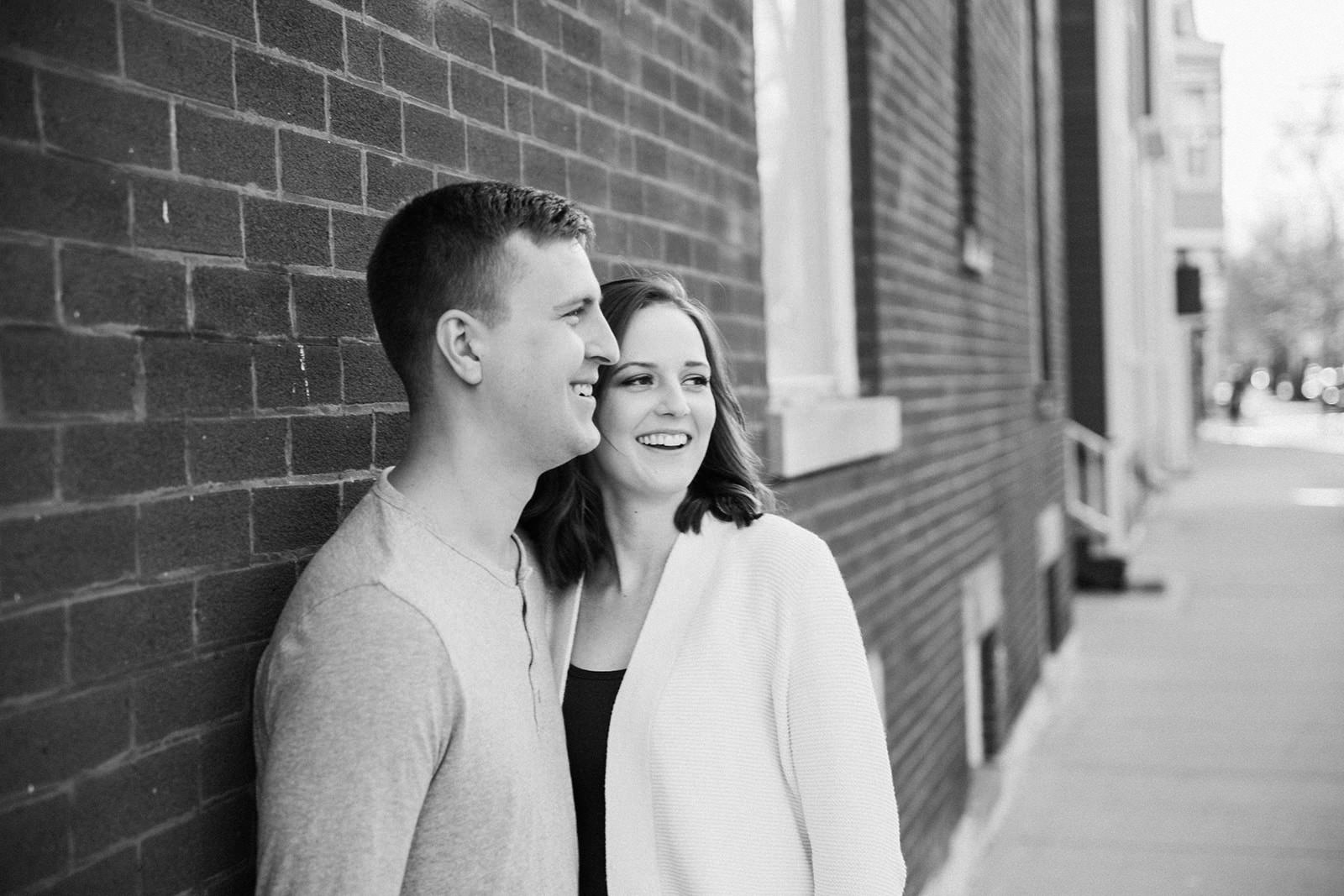 Downtown_chicago_spring_engagement_session-9.jpg