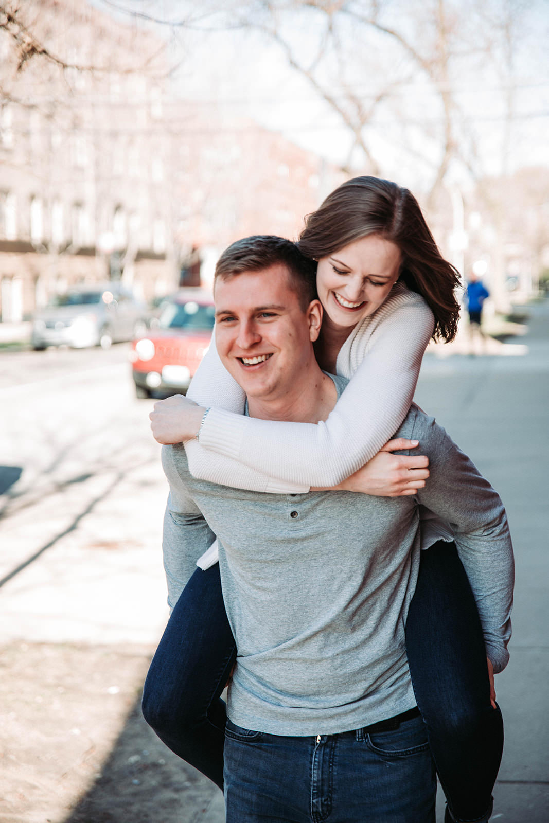 Downtown_chicago_spring_engagement_session-11.jpg