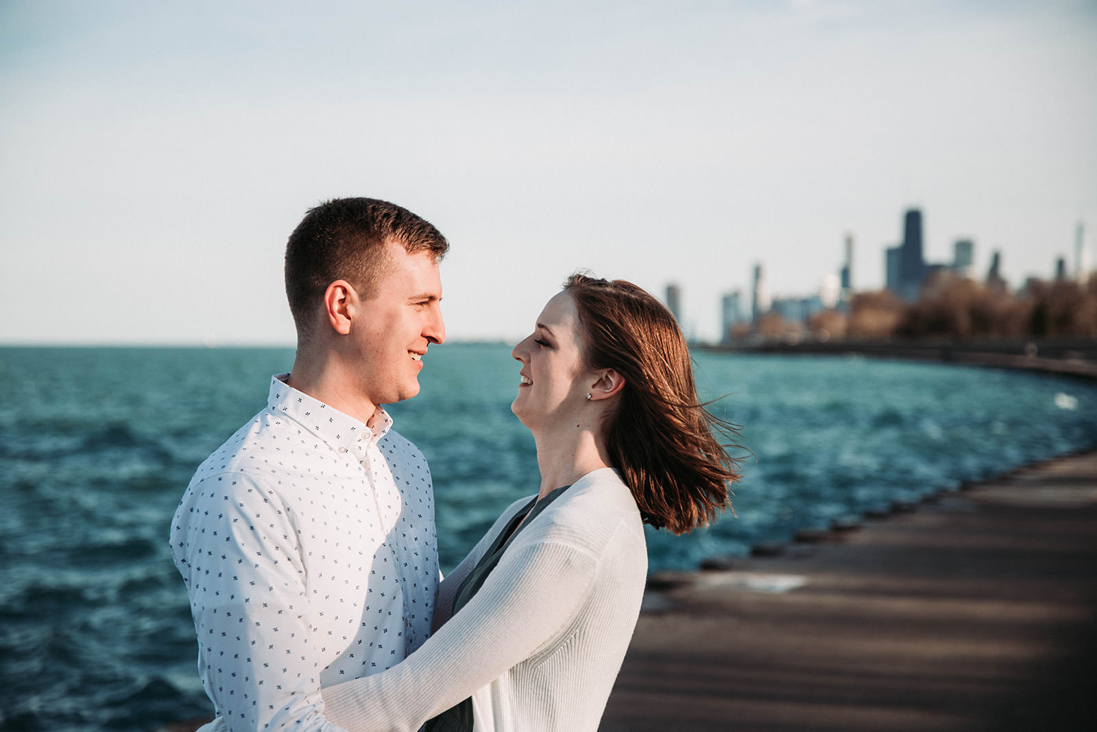 Downtown_chicago_spring_engagement_session-15.jpg