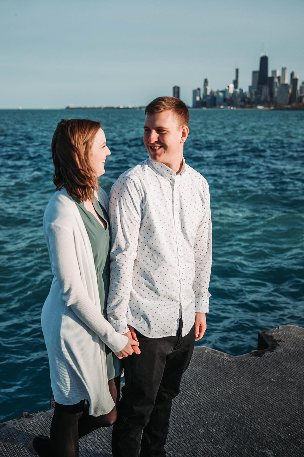 Downtown_chicago_spring_engagement_session-21.jpg