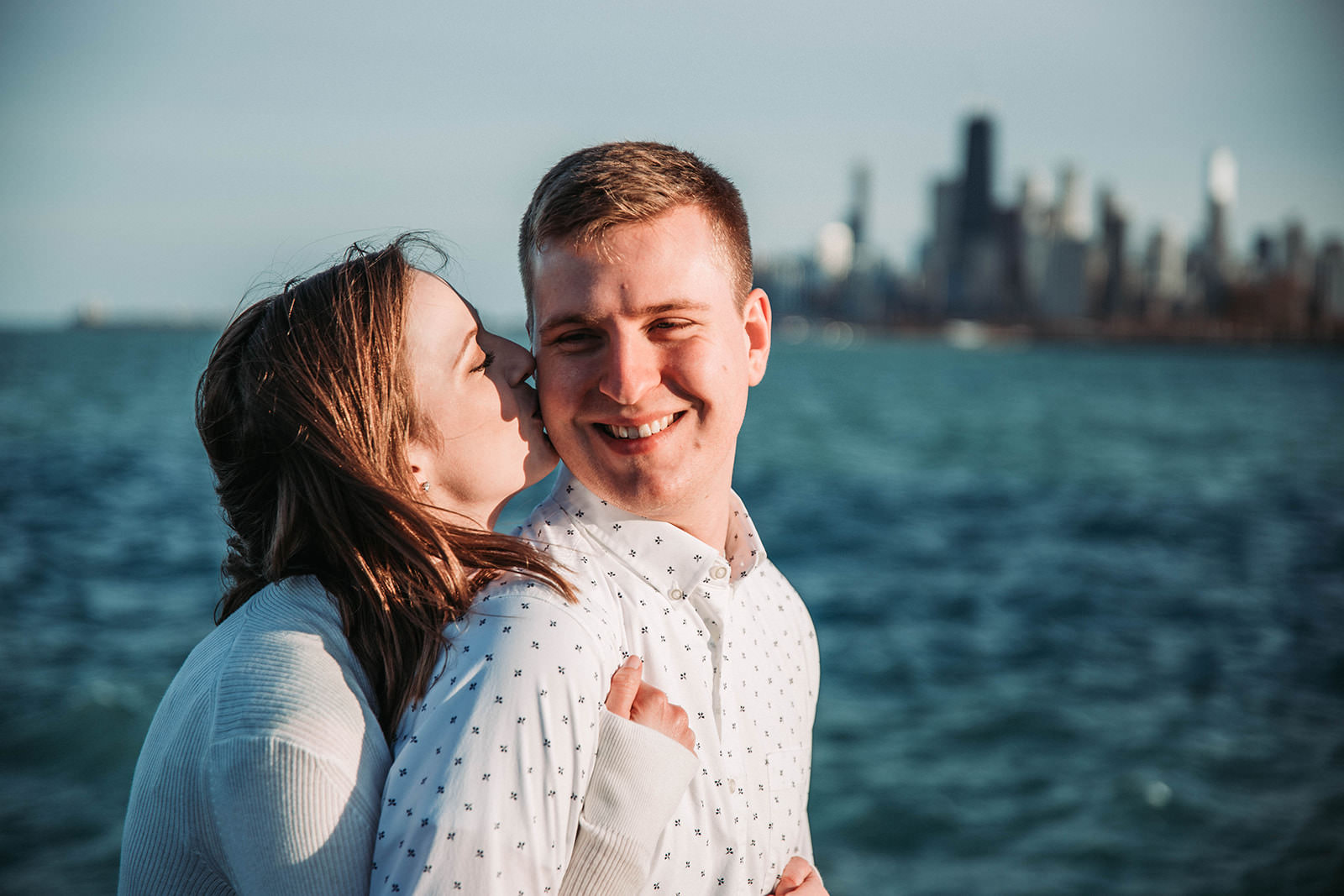 Downtown_chicago_spring_engagement_session-25.jpg