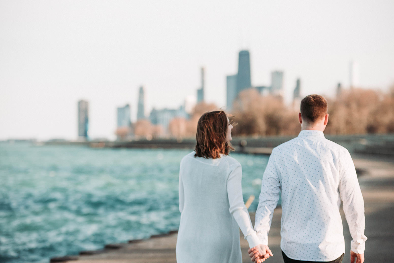 Downtown_chicago_spring_engagement_session-44.jpg