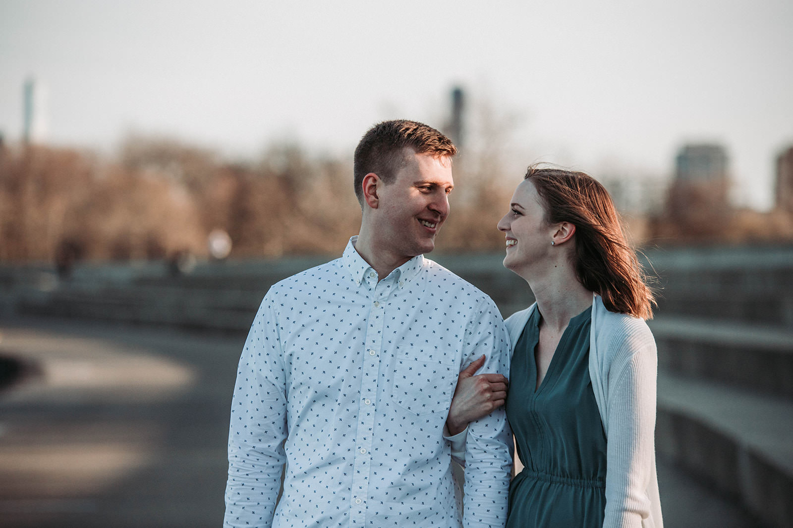 Downtown_chicago_spring_engagement_session-45.jpg