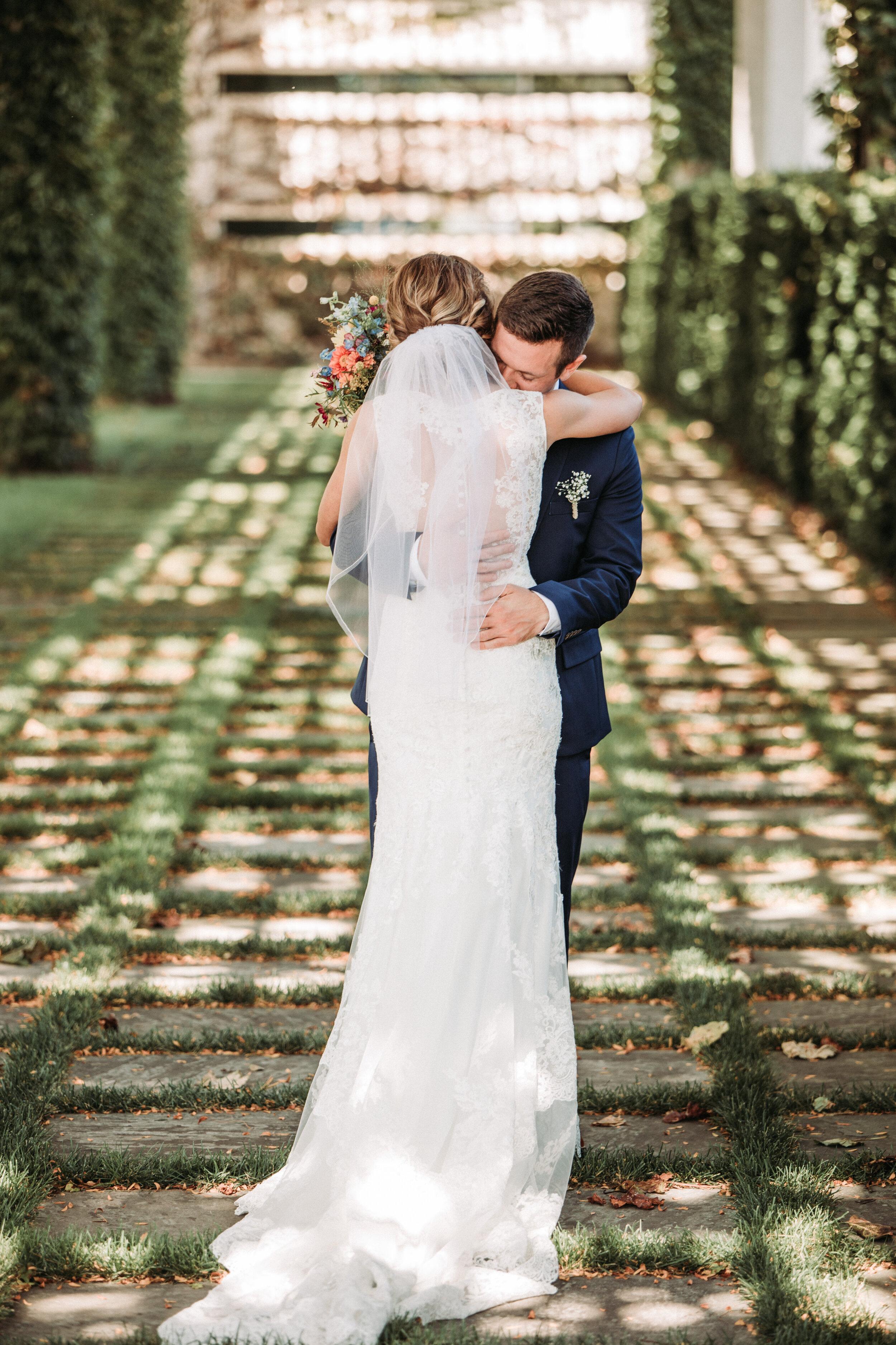 rustic_fall_barn_wedding_columbus_indiana-26.jpg
