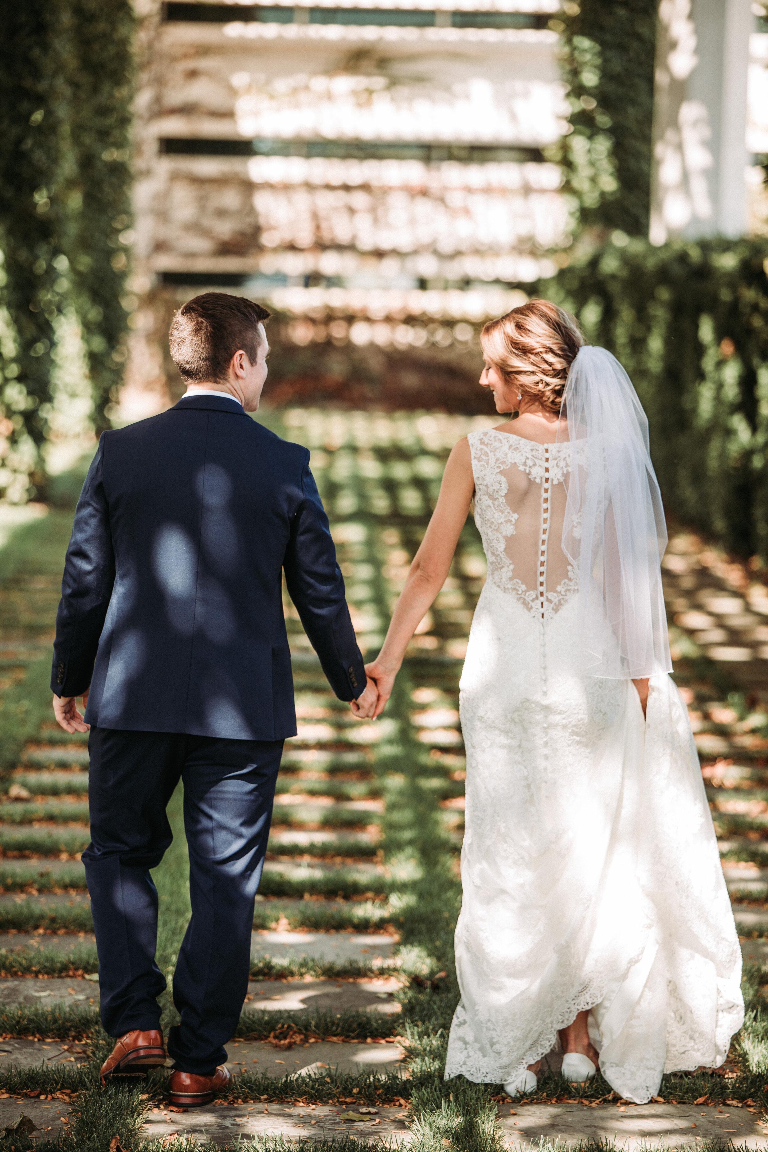 rustic_fall_barn_wedding_columbus_indiana-38.jpg