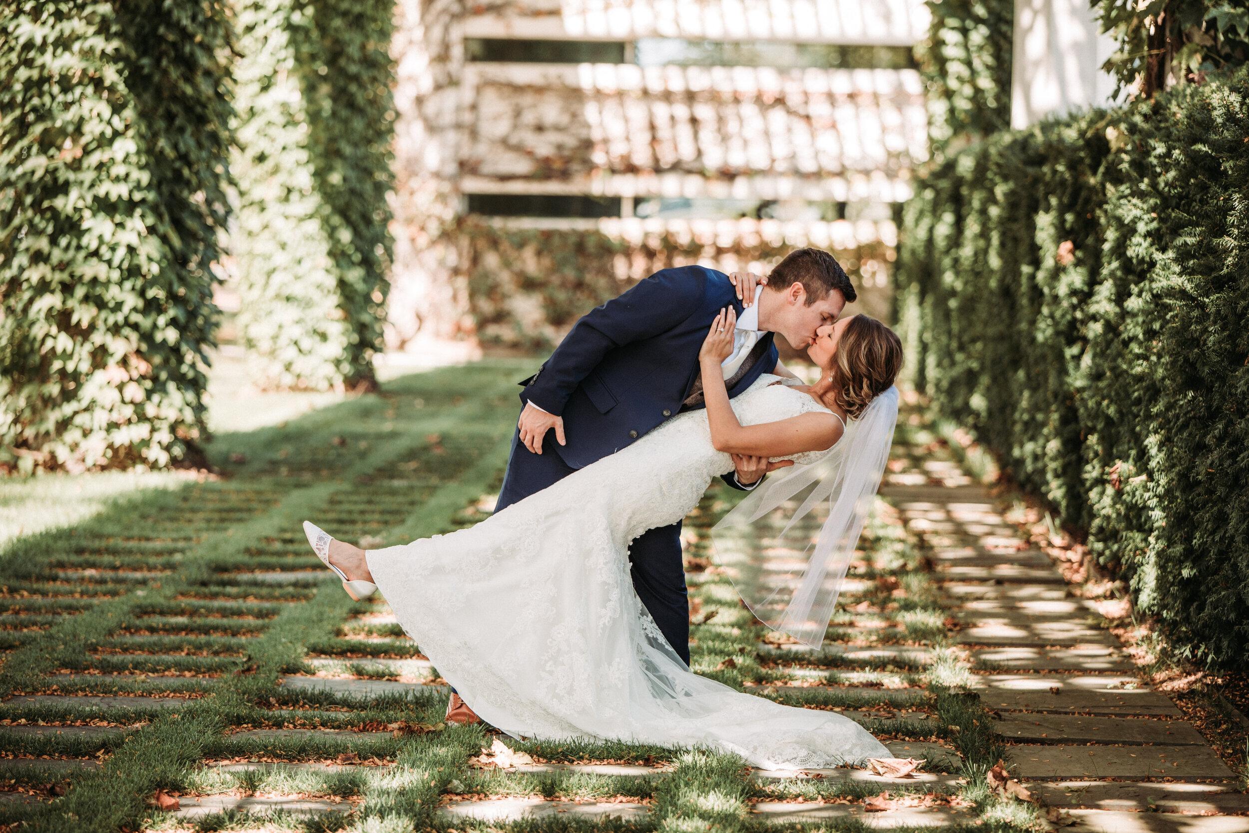 rustic_fall_barn_wedding_columbus_indiana-41.jpg