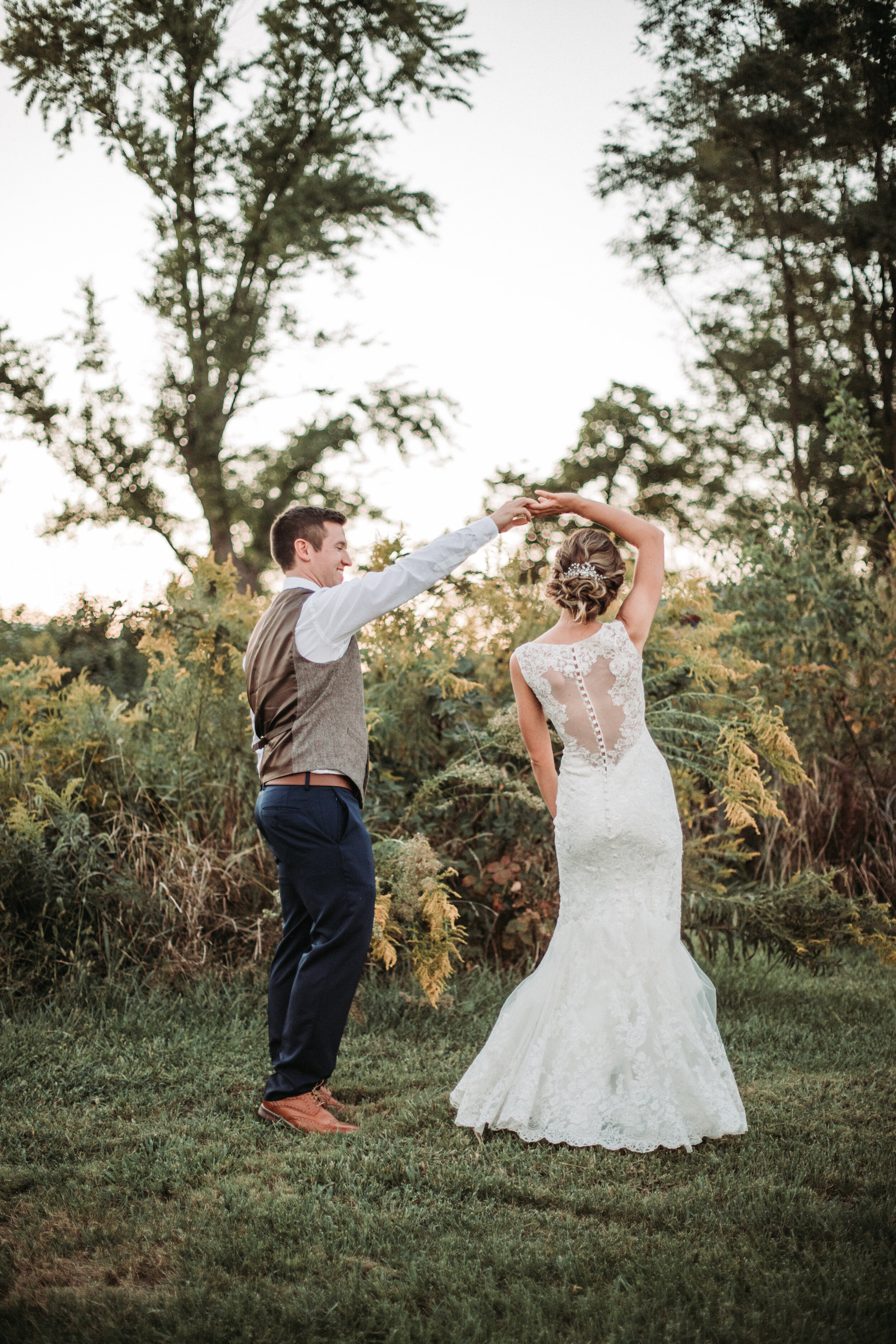 rustic_fall_barn_wedding_columbus_indiana-87.jpg