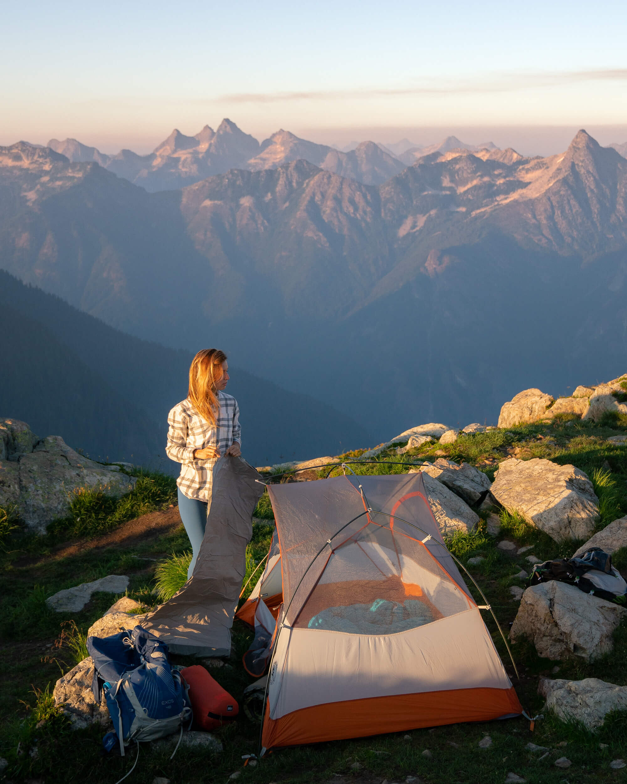 If Winchester Lookout is already taken when you arrive, there are a few flat areas to set up camp! Backpack:  Osprey Exos 48   Sleeping Pad :  Term-a-Rest NeoAir XTherm   Tent :  Big Agnes Copper Spur HV UL2