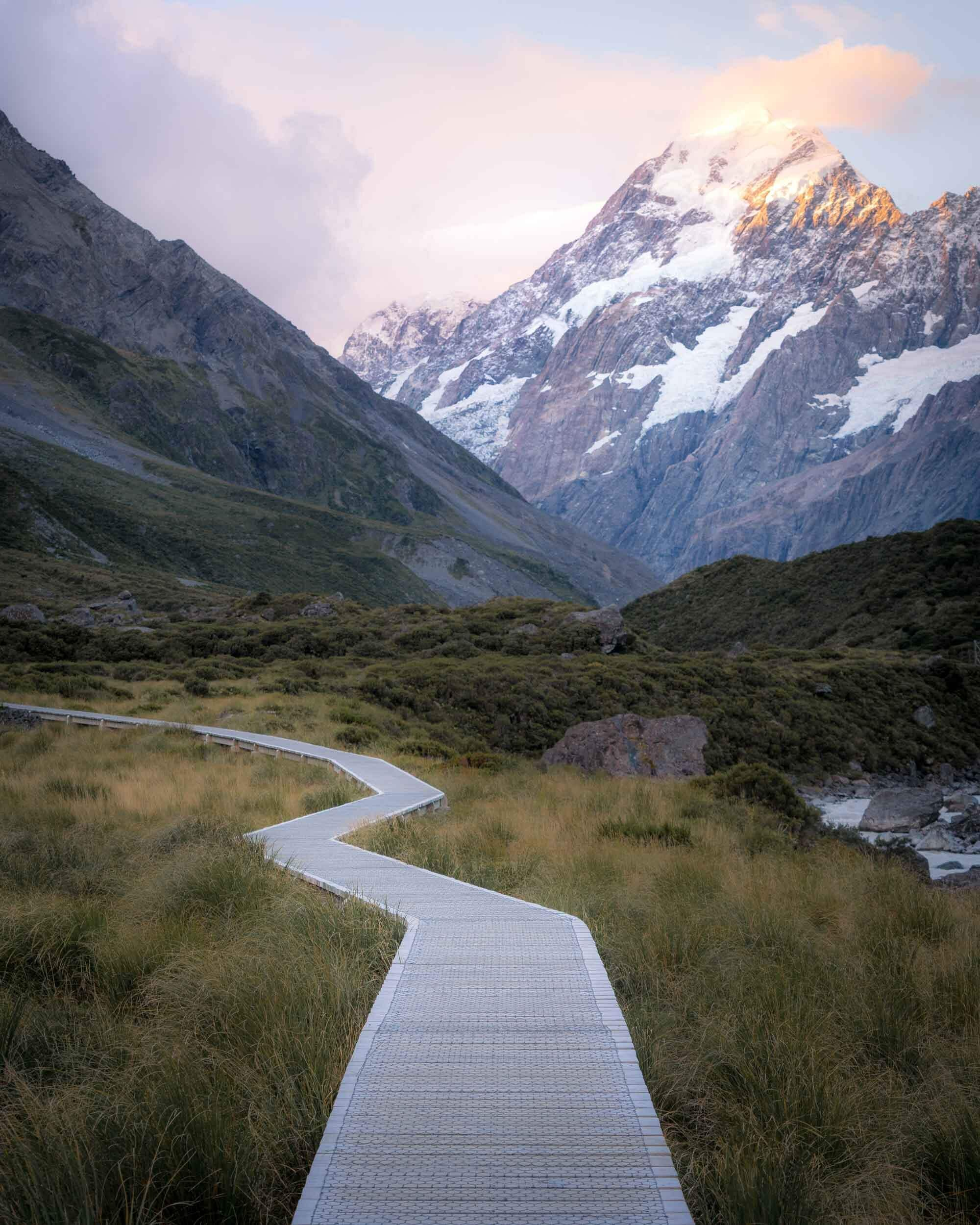 The famous boardwalk on the Hooker Valley Track.