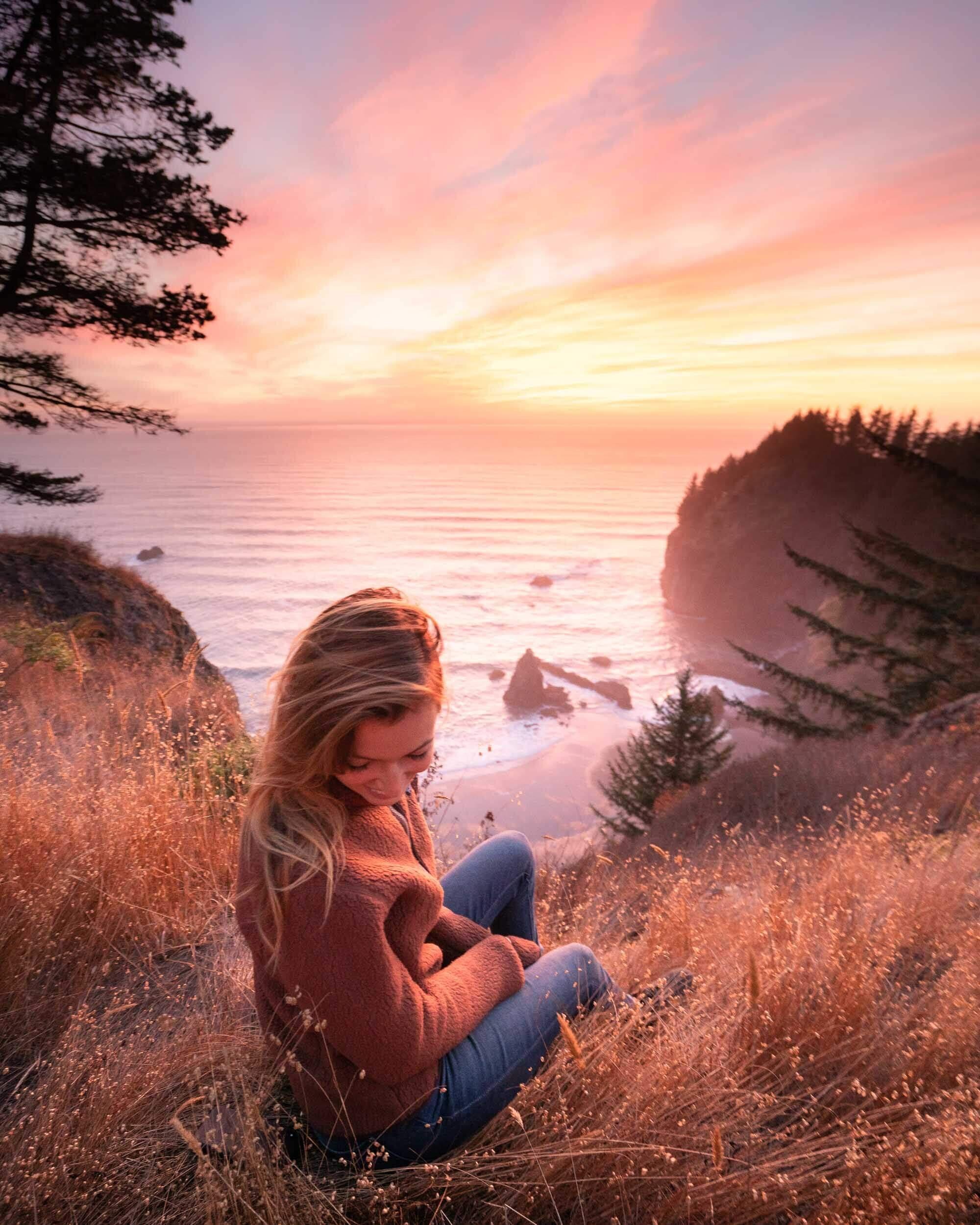 A stunning sunset on the Oregon Coast along the Samuel H. Boardman State Scenic Corridor.