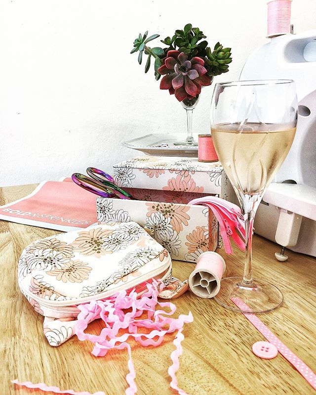 We're starting a #sipandsew class soon! 🥂🍹🍸🍷I need to make a baby 🍼blanket.  How about you?  What's on your gifts 🎁to make list? . . . . #sewin #sewing #sewingprojects #sewingblogger #diychristmas #diyclasses #diysf #outersunset #crafter #sewingaddict