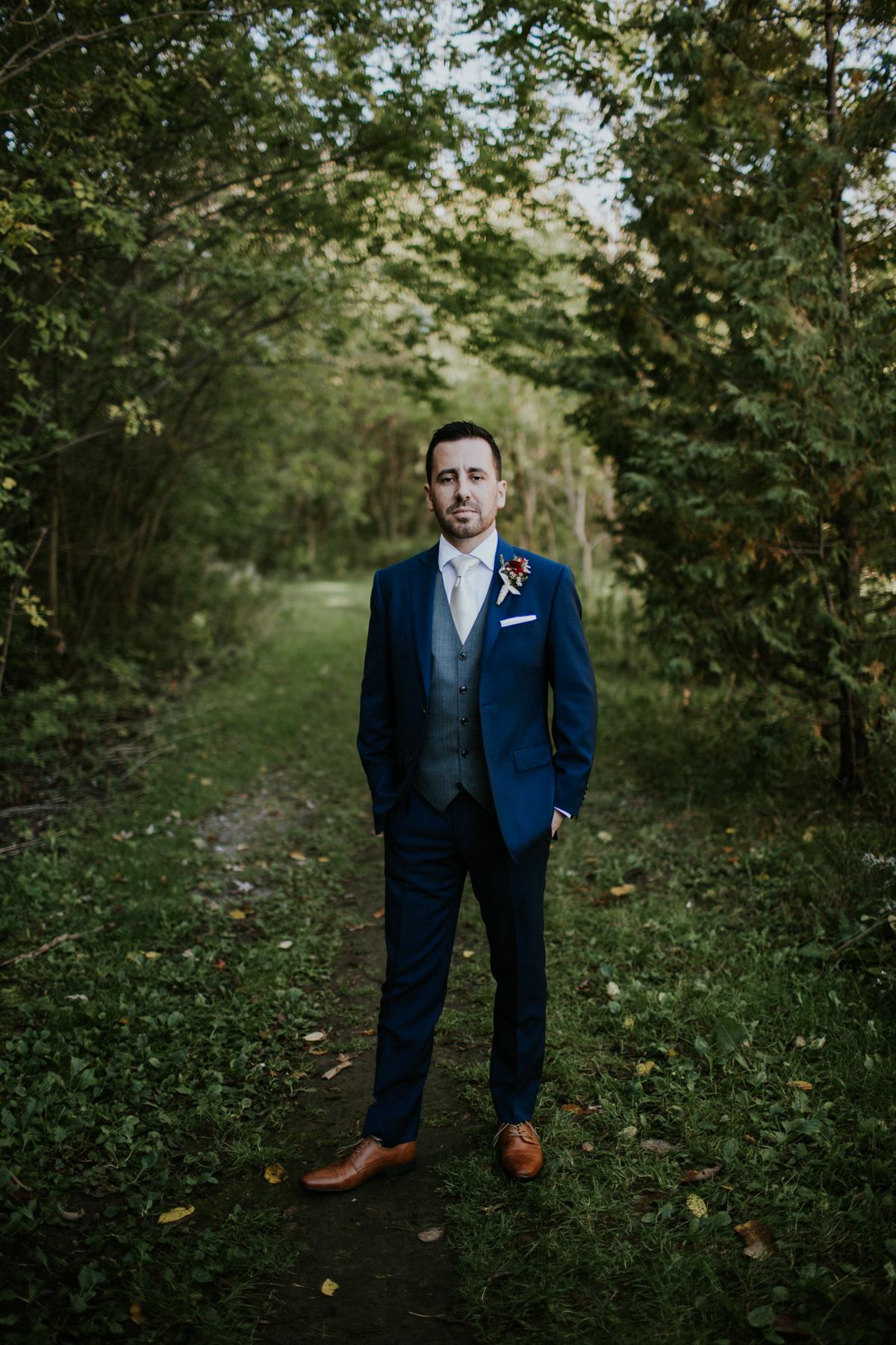 outdoor groom portraits