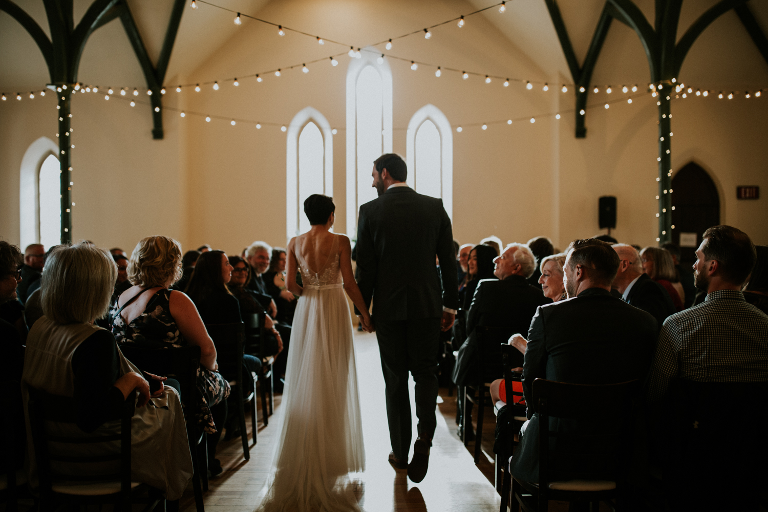 wedding day timeline - 1:00 - 2:00: Getting Ready2:00 - 2:20: First Look2:20 - 3:30: Bridal party/Bride & Groom Portraits4:00 - 4:30: Ceremony4:30 5:00: Family Photos5:00 - 6:00 Cocktail Hour6:00 - 8:30: Dinner/Speeches8:30: First DancePARTY!