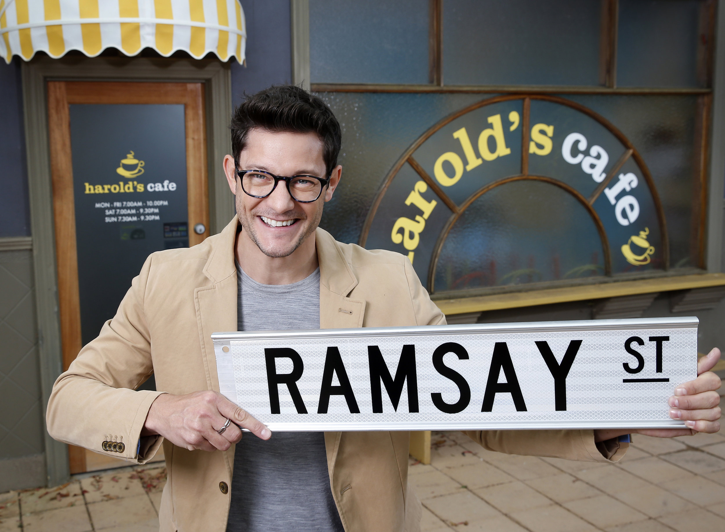 Rob Mills joins Neighbours 1 (reduced).jpg