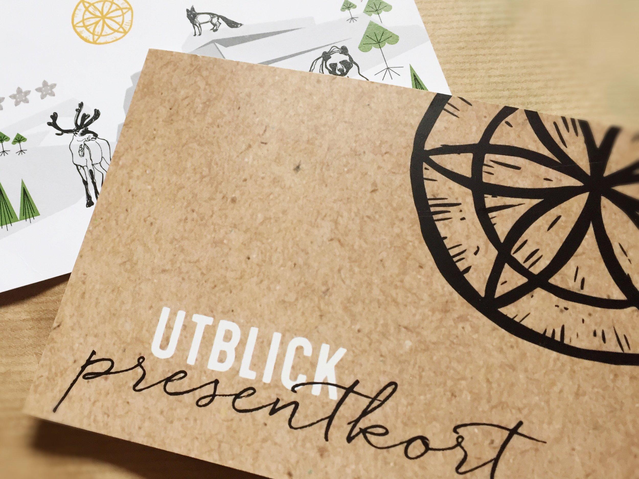 """Uppskattat Presenttips! - Köp ett presentkort till vän, medarbetare, student, brudpar, mor & far, älskling … Vi hjälper gärna till att skicka en uppskattad gåva till någon du vill glädja!Gör så här!1. Skicka ett mail till oss så löser vi det! boka@utblickluppioberget.se2. I mailet till oss: skriv värde/vilken summa (500 kr och uppåt) du vill ha på presentkortet.3. Namn på den/de som skall få gåvan (t.ex. för- & efternamn, Familjen Z, Brudparet X & Y…) samt från vem gåvan är (ditt eget namn...) Vi erbjudera """"skicka-service"""" med postnord. Beräkna minst 5 leveransdagar. Skicka-service-avgift inom Sverige 50 SEK, utomlands 70 SEK.4. När vi fått bekräftelse på din Swish-inbetalning inkl. ev. """"skicka.service-avgift (Ta en skärm-avbild och skicka tillbaka på mail) skickar vi Presentkortet med postnord till den gatuadress du uppgivit.Utblick Swishnr: 123 147 99 97OBS! Viktigt att du vid betalning skriver: """"Presentkort"""
