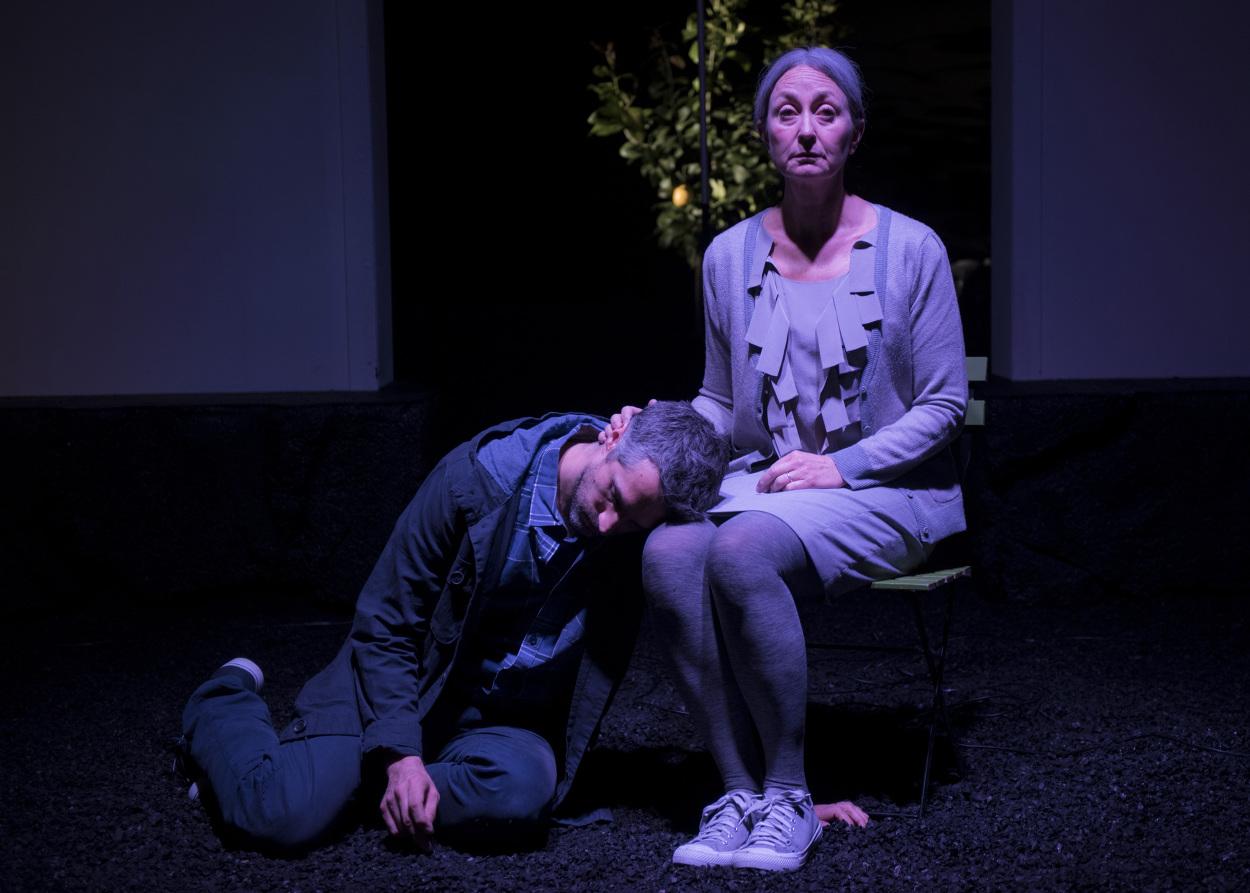 Red-Stitch-Actors-Theatre---Sunshine-Photo-by-Jodie-Hutchinson-1_1250.jpg