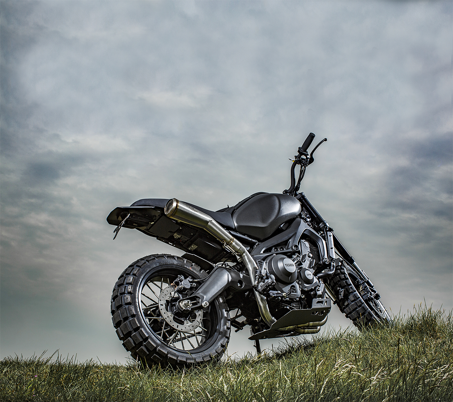 2016_YAM_XSR900MONKEEBEAST_EU_CUSTOM_STAT_008.jpg