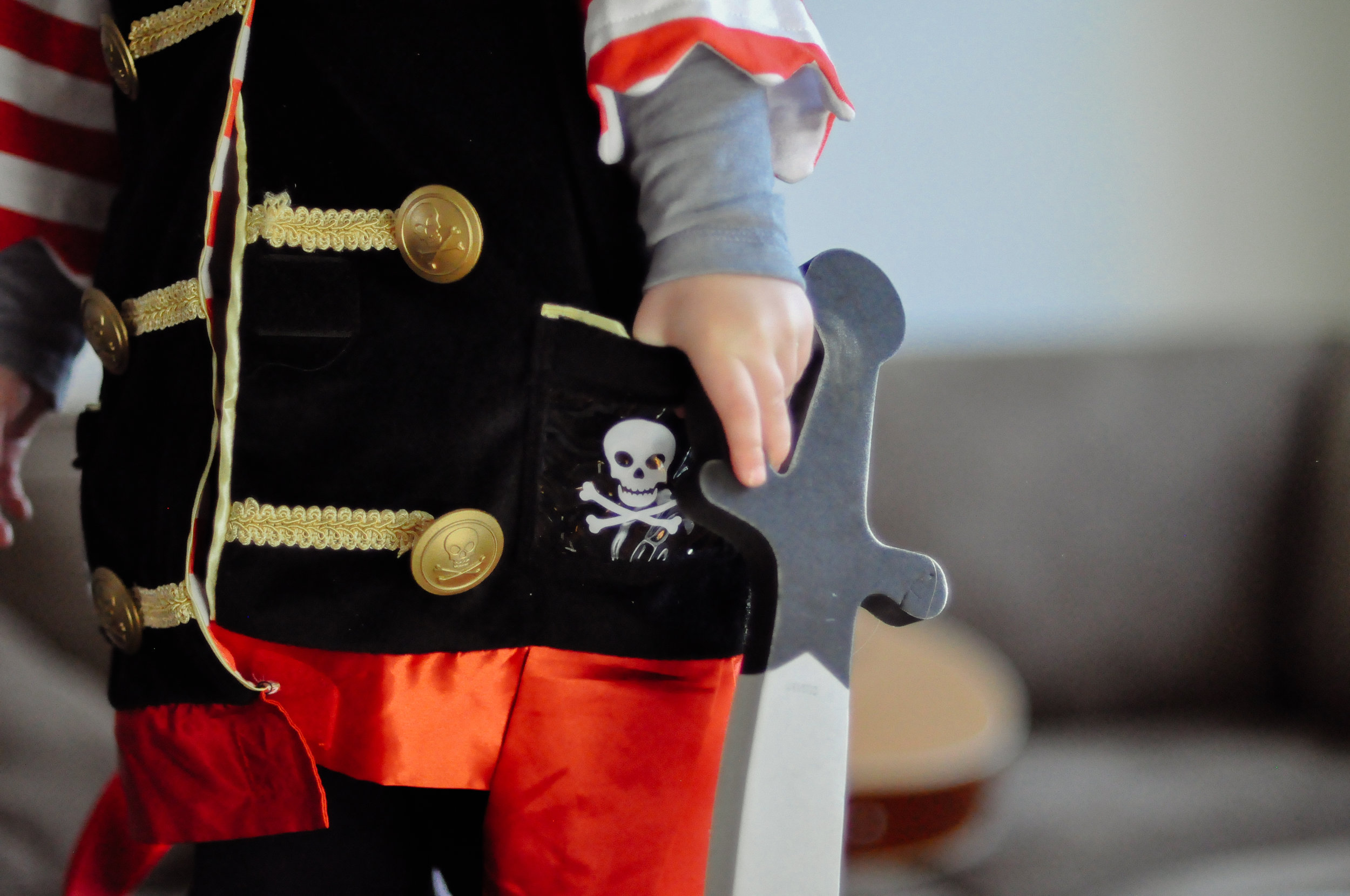 melissa and doug pirate costume