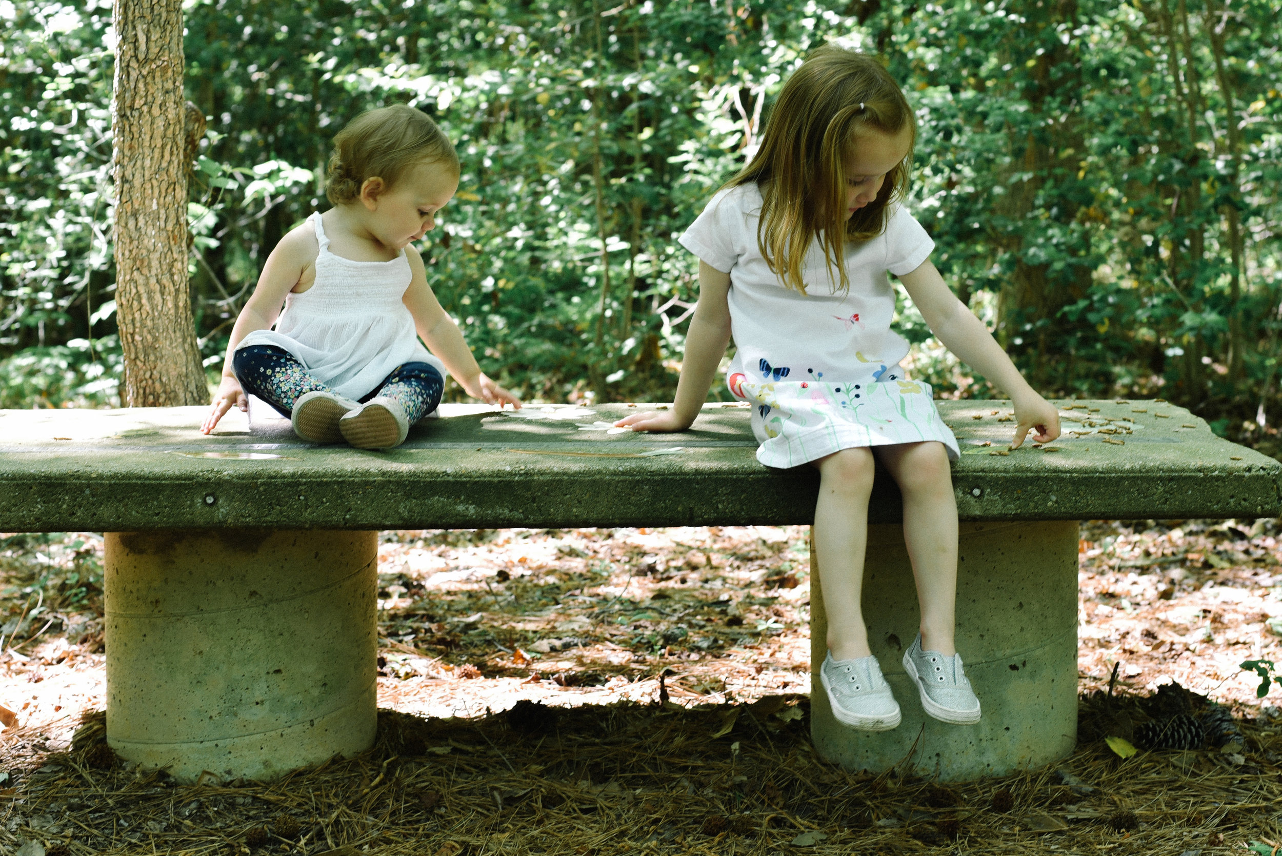 sisters-at-anne-marie-gardens-spring-session matching.jpg