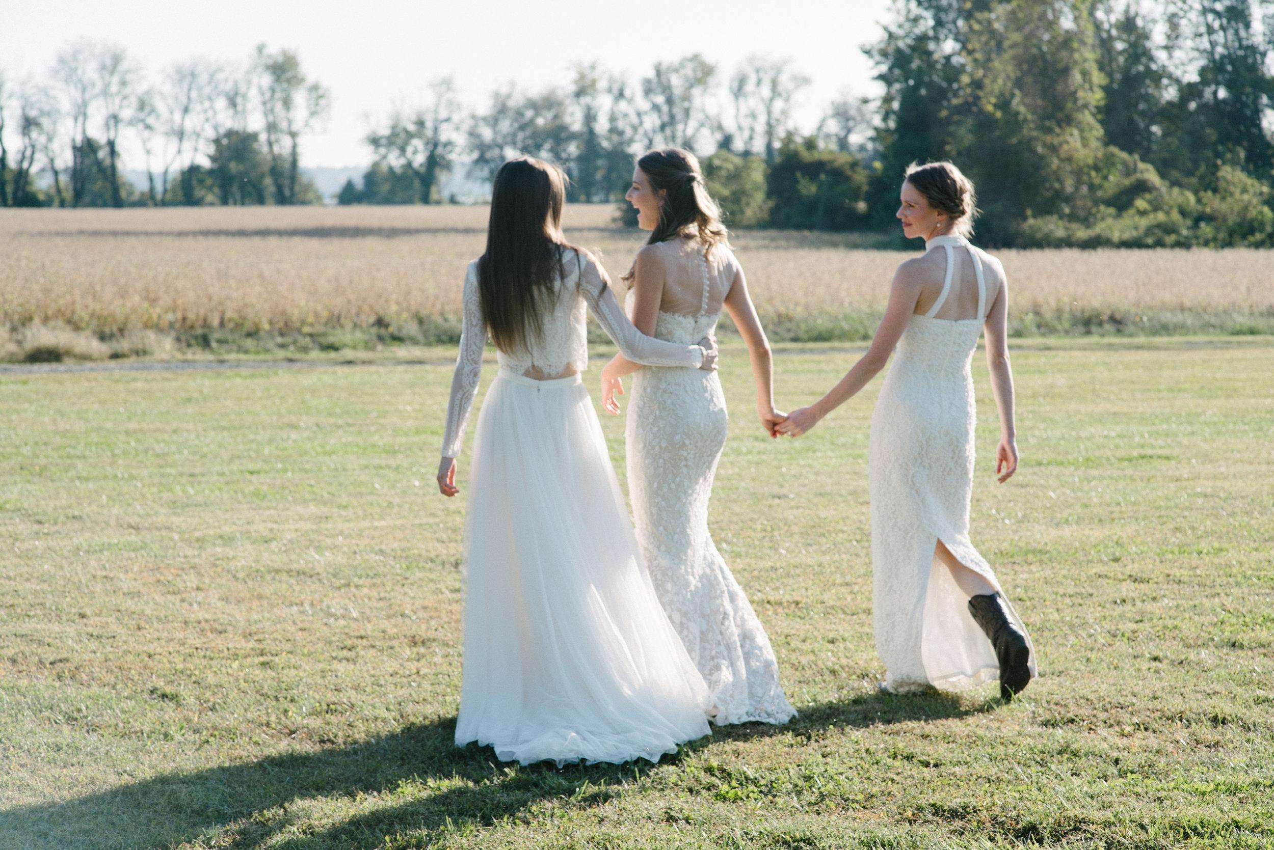 sister wedding dress photo shoot-41.jpg