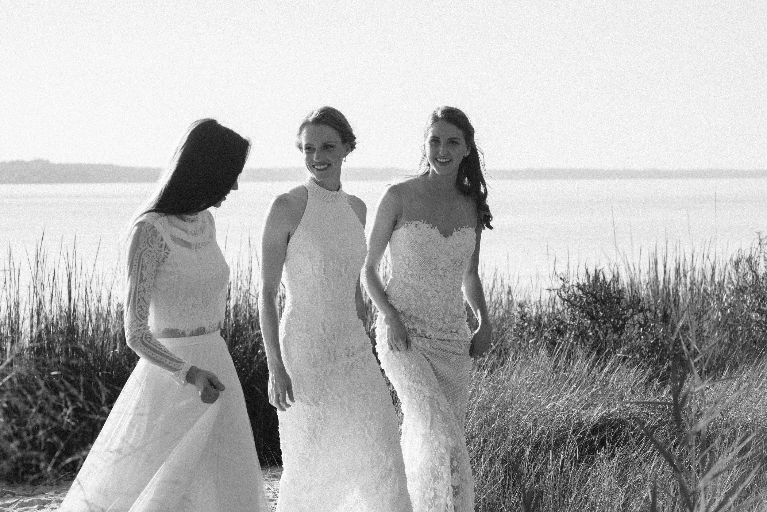 sister wedding dress photo shoot-32.jpg