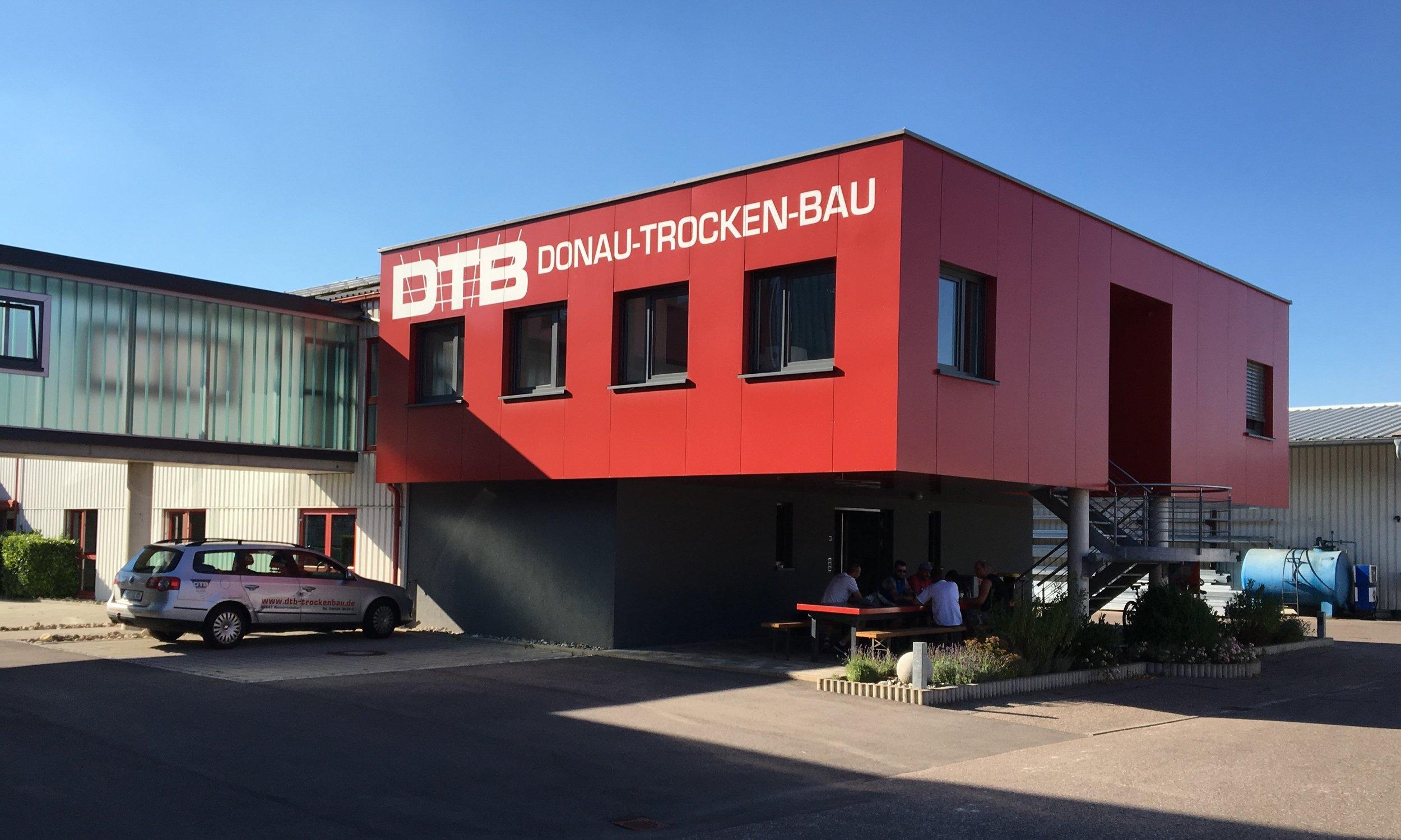 DTB Gebäude seitlich 2016 07 20.jpg