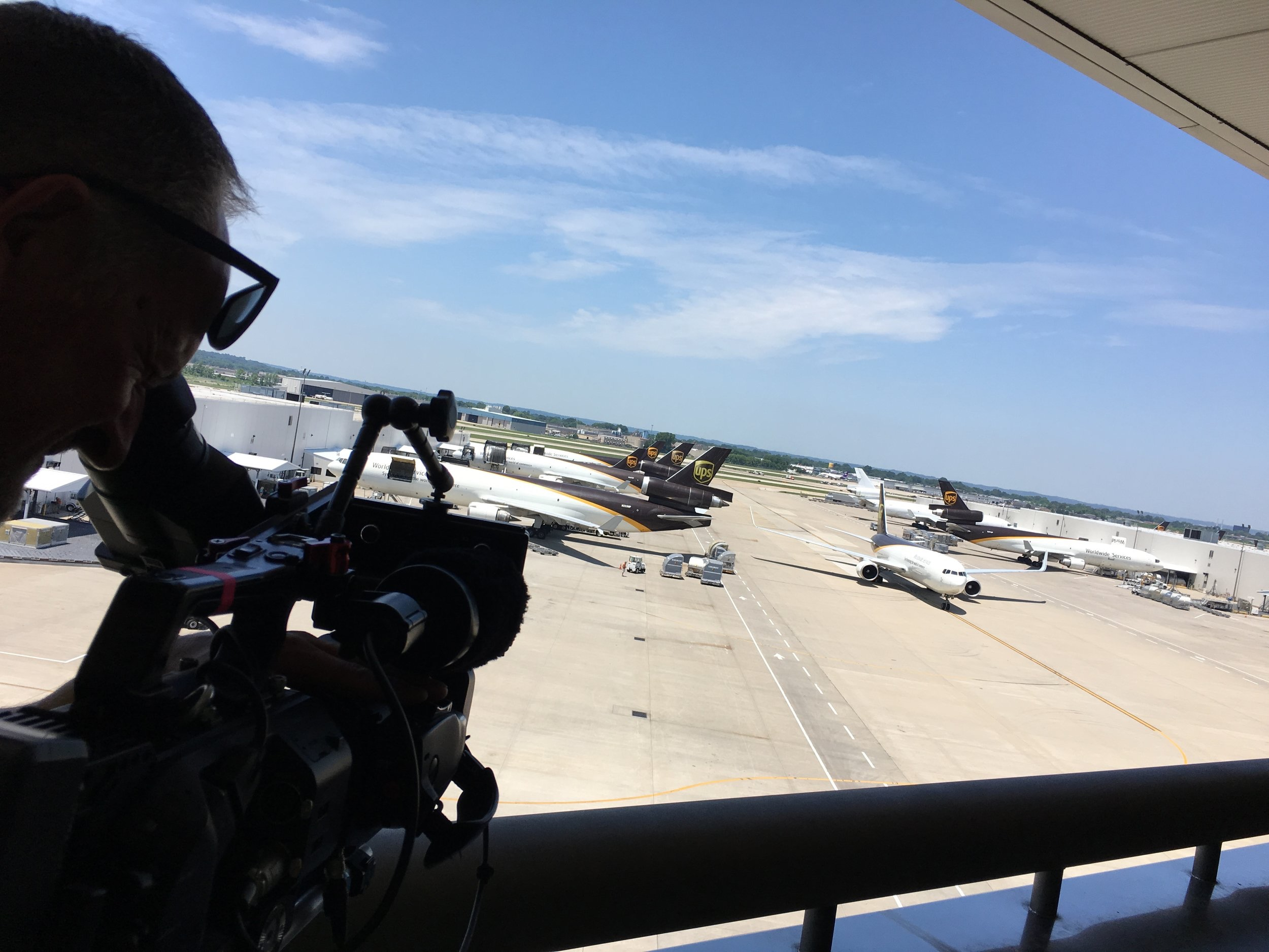 ups worldport - WELT/Discovery Channel