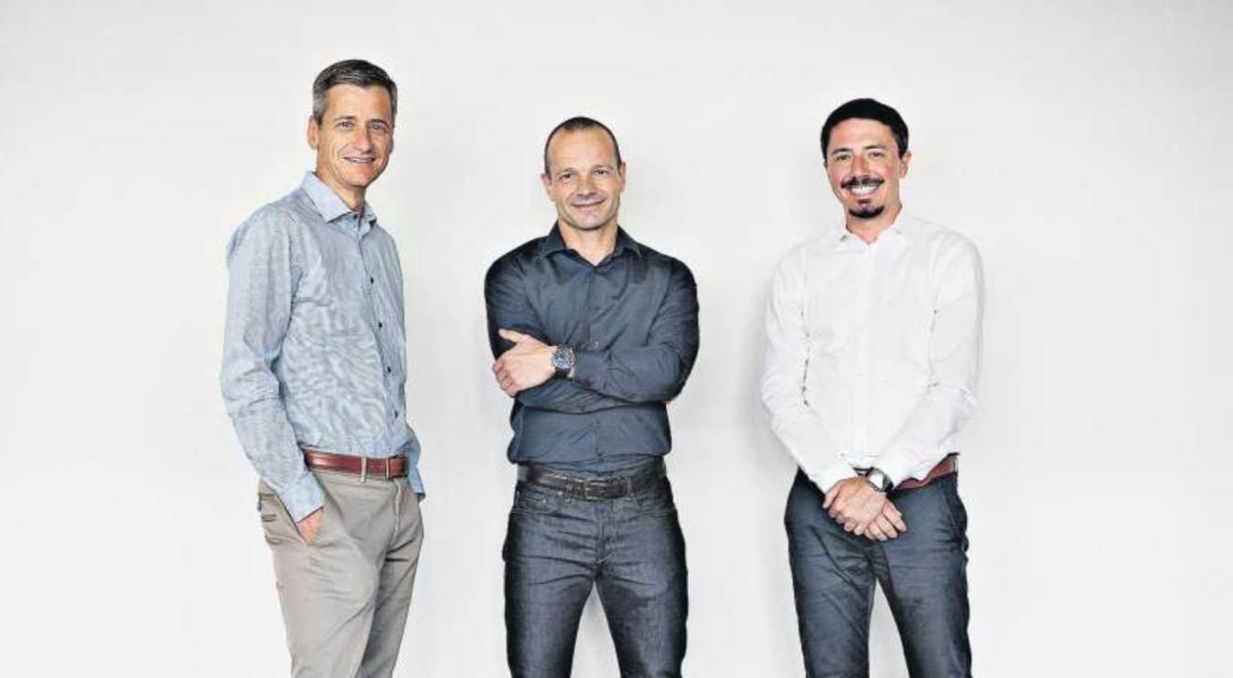 Collaboration ist für sie nicht nur ein IT-Fachbegriff (von links): Jon Erni (Mia Engiadina), Reto Meneghini (MondayCoffee) und Jan Pfenninger (Planzer).  Foto: MICHELE LIMINA  Quelle: NZZ Verlagsbeilage Digitale Transformation vom 22.09.2018