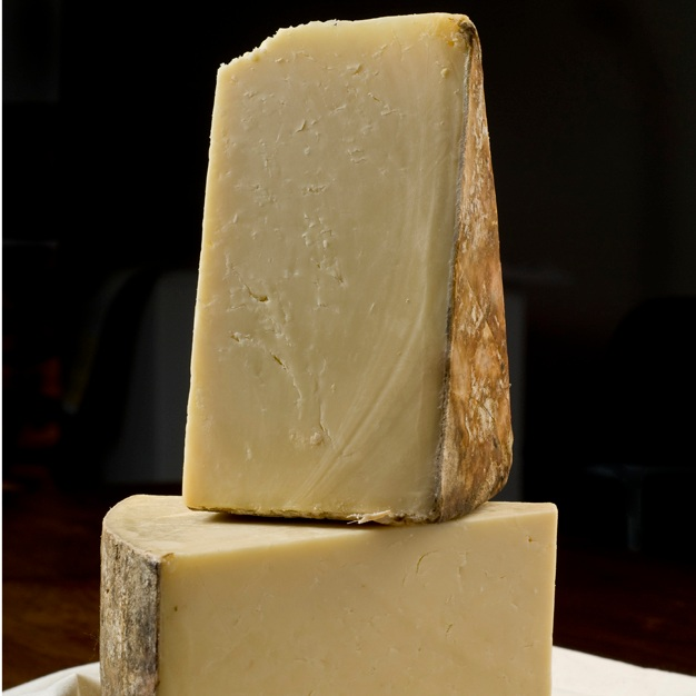 Cloth Bound Cave Aged English Cheddar