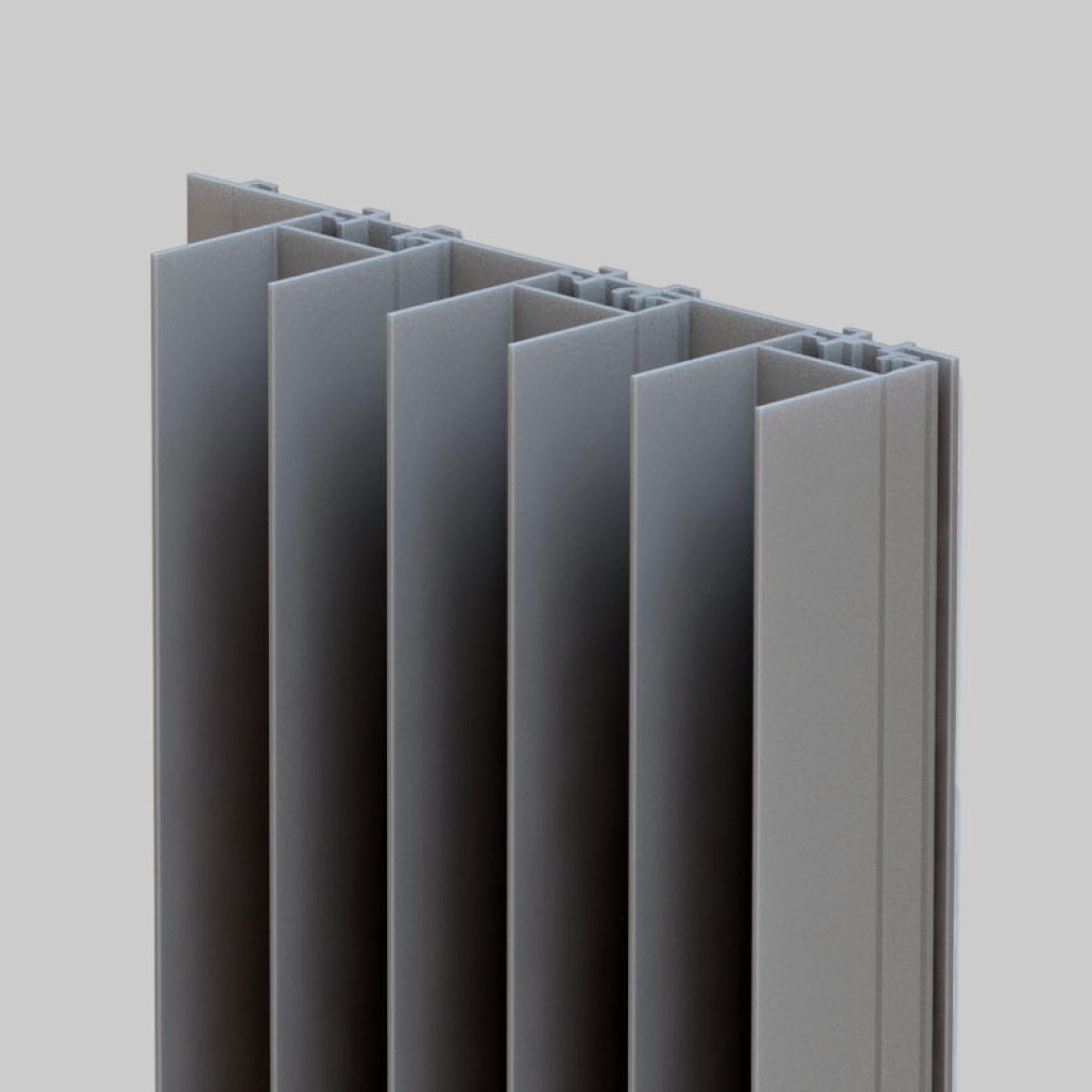 Met een diepte van 45 mm is mato 4 het meest uitgesproken profiel. De diepte van de doorlopende ribben, zorgen voor een krachtige belijning.Een contrast tussen licht en schaduw.