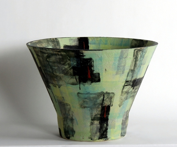 Broad vessel, cone form