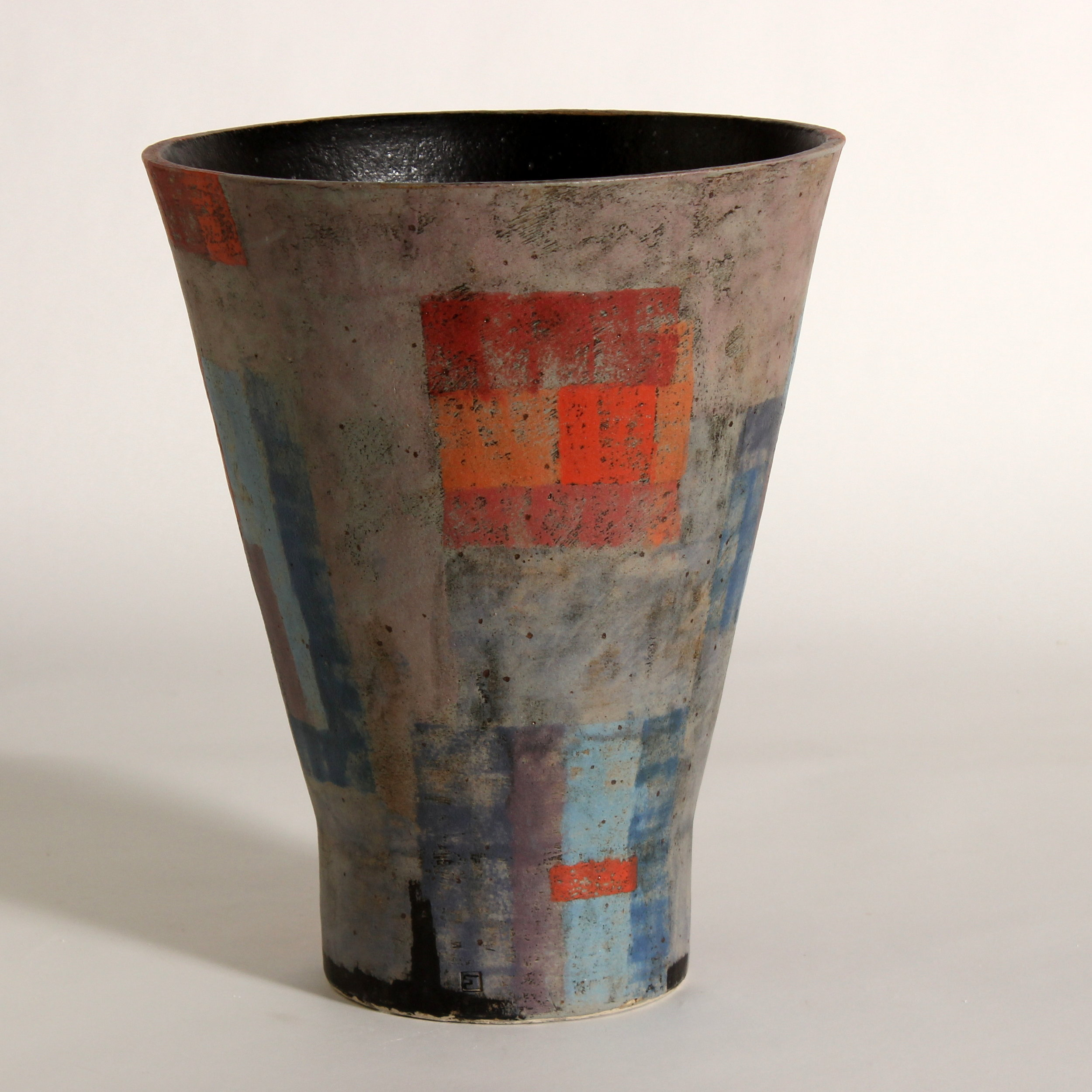 Tall vessel, cone form