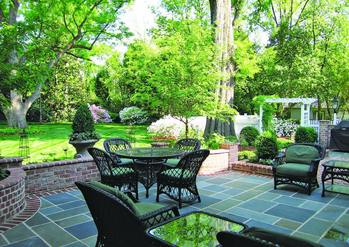 Elegant back yard patio hardscape.