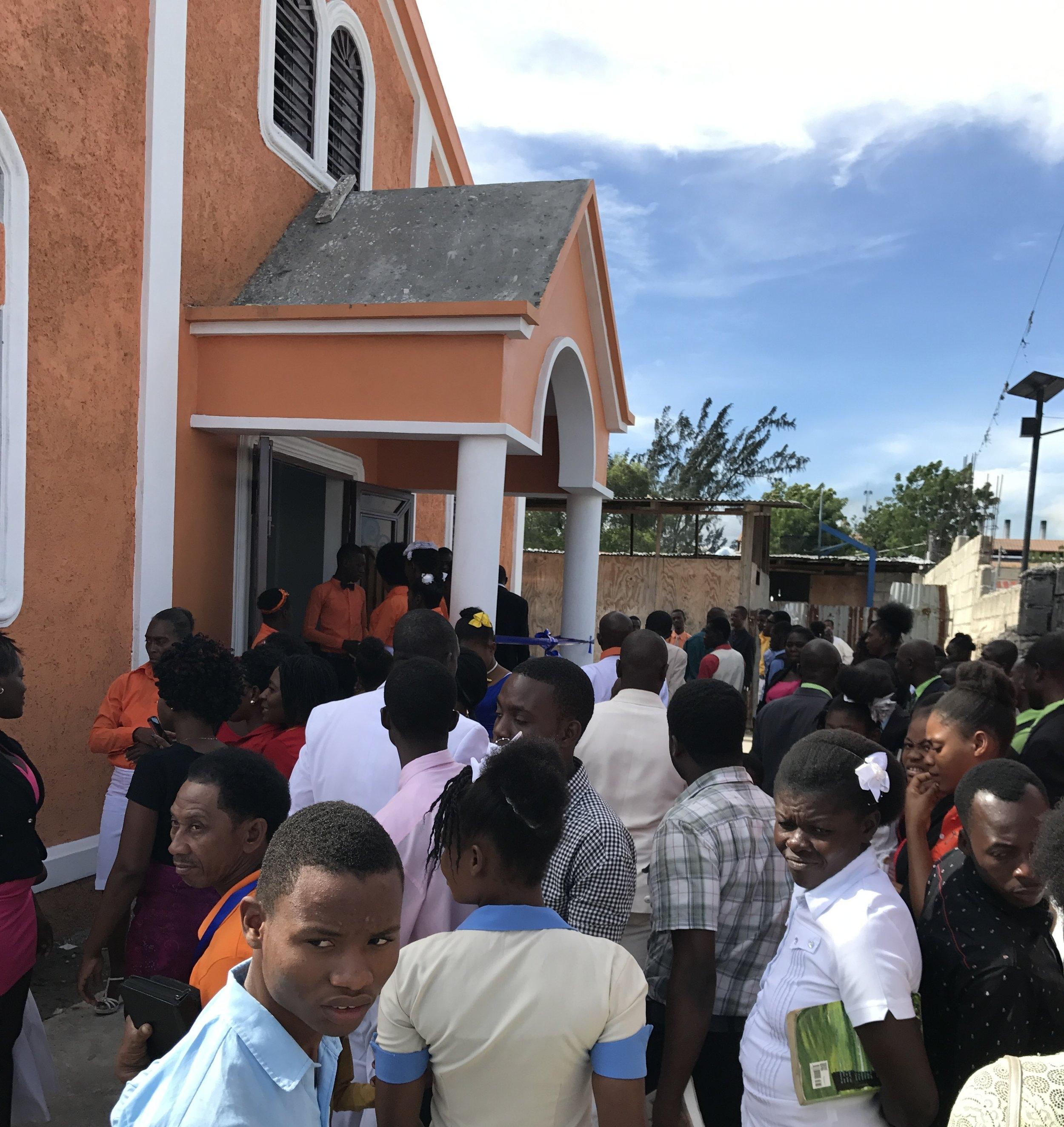 Church crowd.JPG