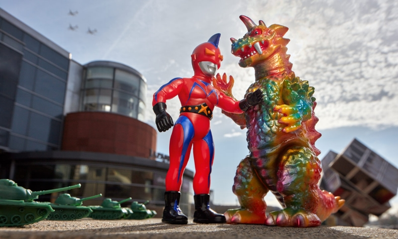 Kaiju_vs_Hero.jpg