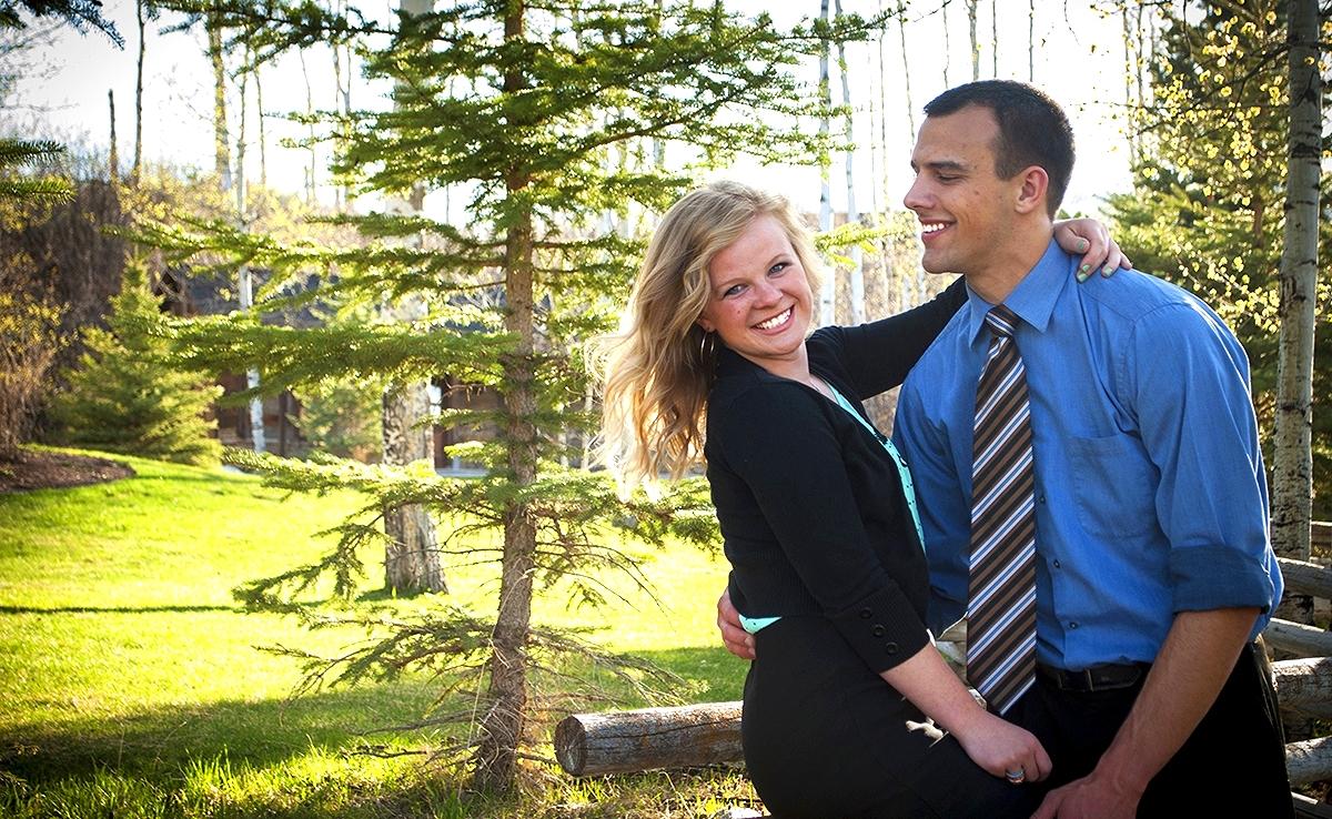 KatieAlvarez-SitOnFence-Engagement-HighSchoolSweethearts-Portraits-Graduates-HighSchoolGraduate-Photography-Models-HighSchool-SeniorPicture-Victor-Idaho.jpg