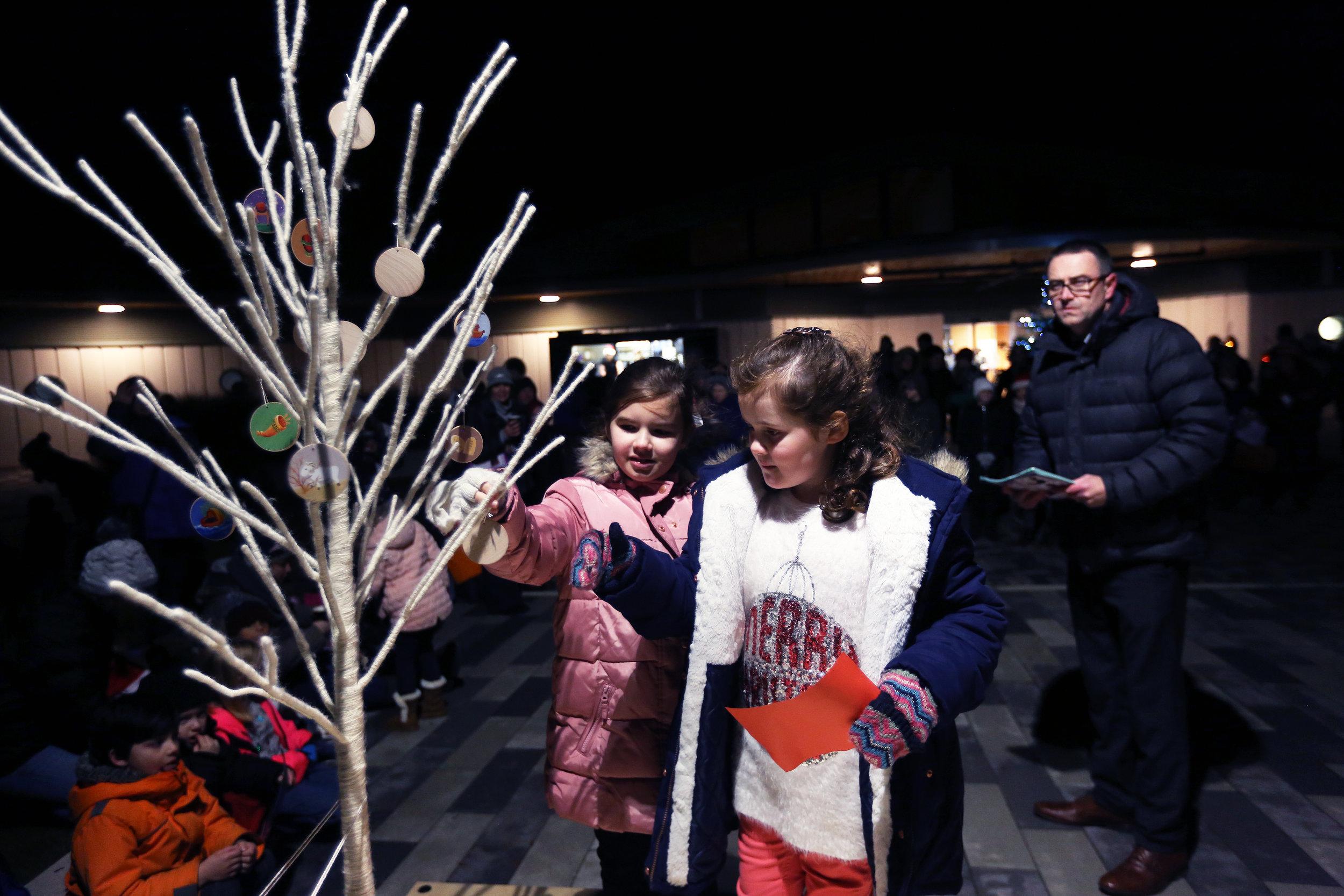 ESCA Christmas Carols and Puppet Show 15-12-2017 (84).jpg