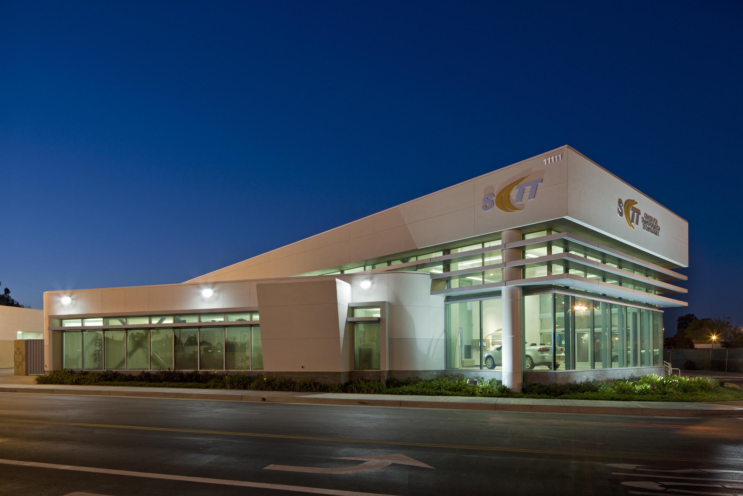 Cerritos College Auto Showroom Exterior