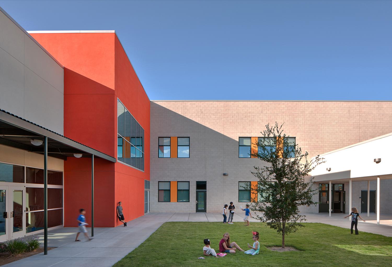 Rex Bell Elementary School Courtyard