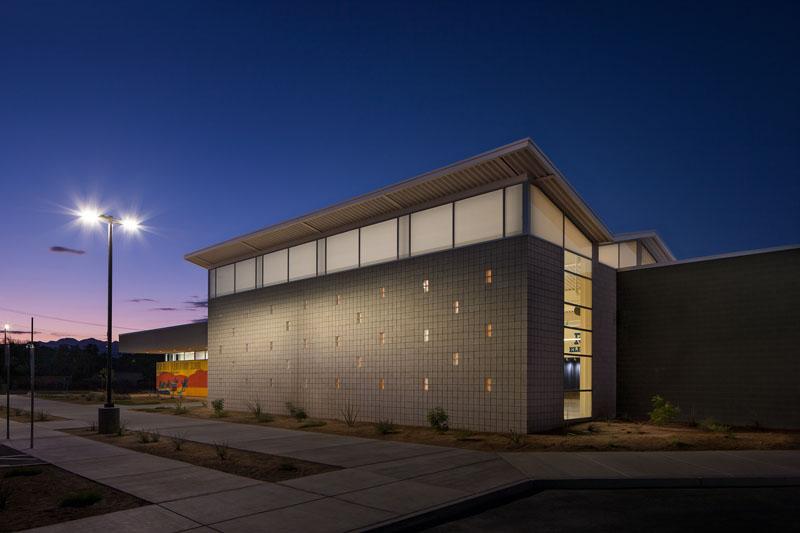 Rex Bell Elementary School exterior.